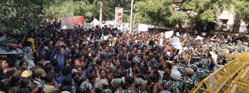 Left bodies protest against police 'atrocities' on JNU students