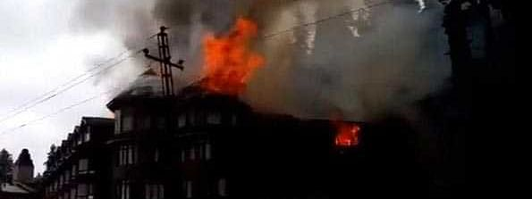 Top floor of famous hotel in Gulmarg damaged in fire