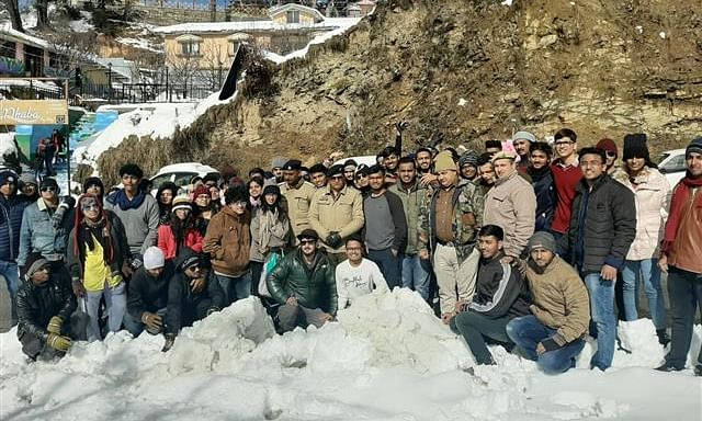 170 students rescued from snow in Kurfi