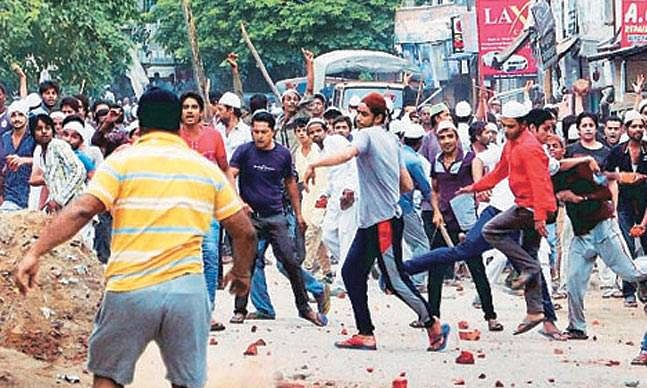 350 arrested in UP, no Internet in 15 districts of UP