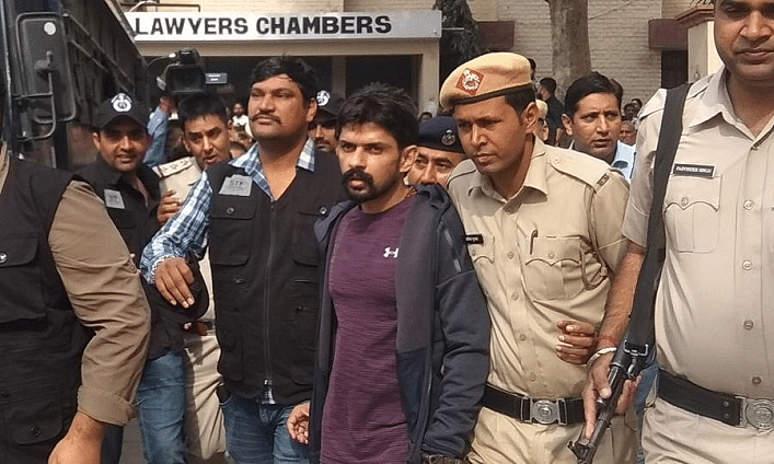 Police produce gangster Lawrence Bishnoi in court