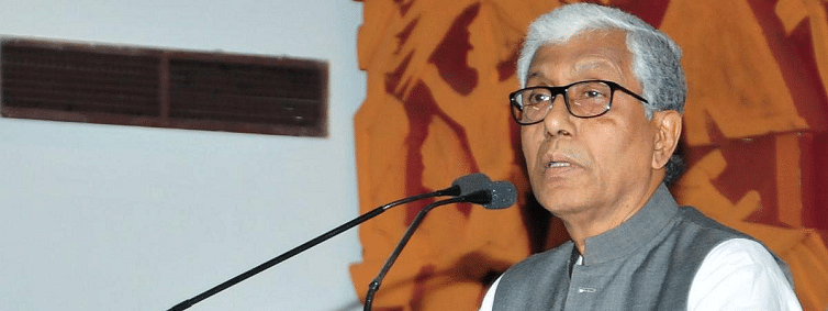 Manik Sarkar accuses Tripura police of playing a partisan role