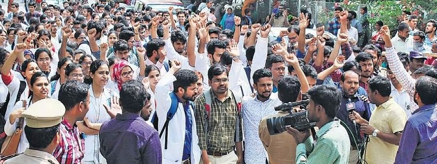 Dr. Priyanka Reddy: Protesters demand PM, CM's intervention