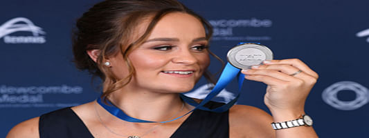 World number one Ash Barty takes out Australia's top tennis award