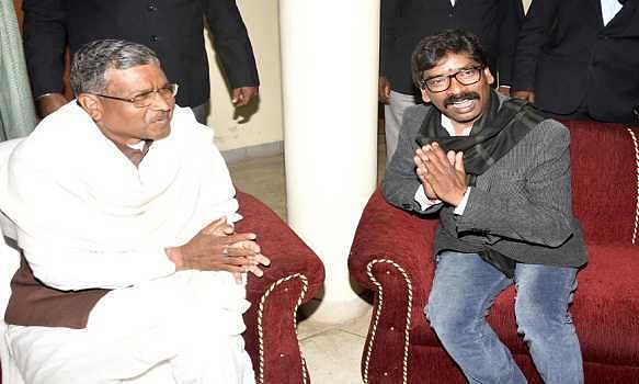Hemant gets blessings from Babulal