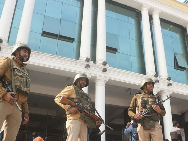 Bengal brought under tight security on R-Day eve