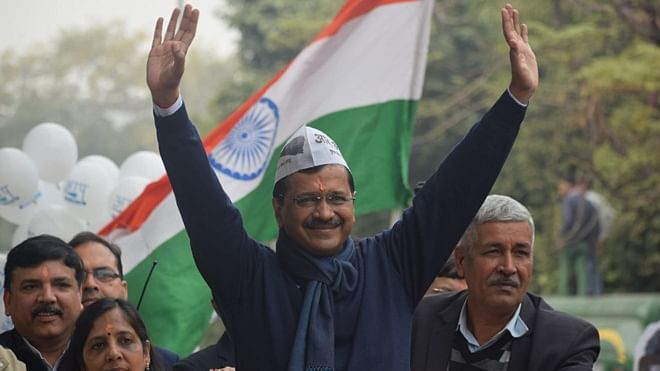 After 6-hour wait, Kejriwal files nomination on last day