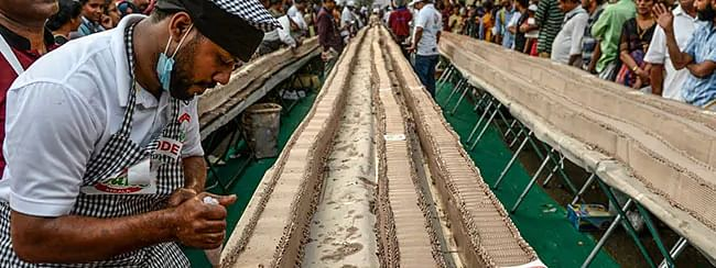 Guinness record for world's longest cake marks Thirssur Night Fest finale