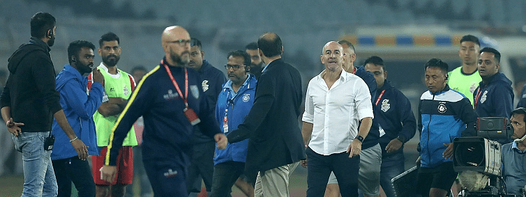 AIFF serves show cause notice to ATK and Kerala Blasters support staff