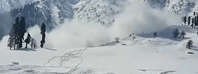 At least 61 killed, scores trapped as avalanches hit PoK Kashmir