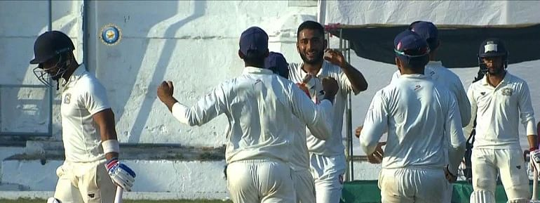 Bengal thrust humiliating defeat on Hyderabad, move to 2nd spot in Ranji table; Shahbaz hattrick hastened win
