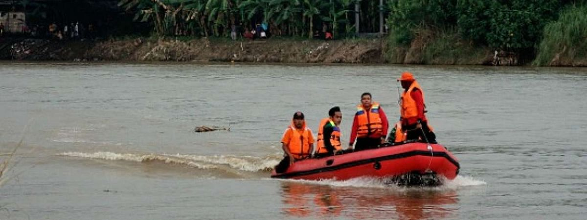 11 feared drowned as boat capsizes in UP