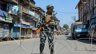 Mobiles snapped in J&K for R- Day