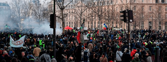 1.49L people took part in France protests, 21,000 in Paris