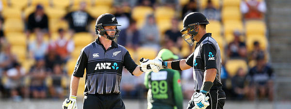 2nd ODI: Guptill, Taylor fifties guide New Zealand to 273-8 against India