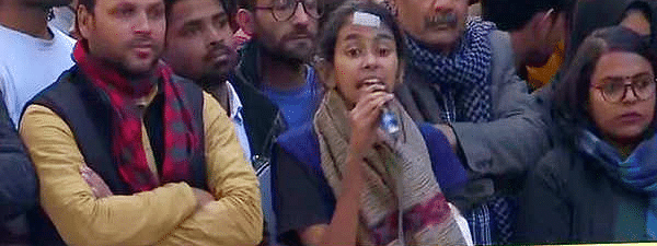 Aishe Ghosh joins anti-CAA protest outside Jamia