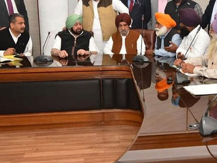 Capt Amarinder meets Behbal Kalan victims' families, promises time-bound probe by SIT