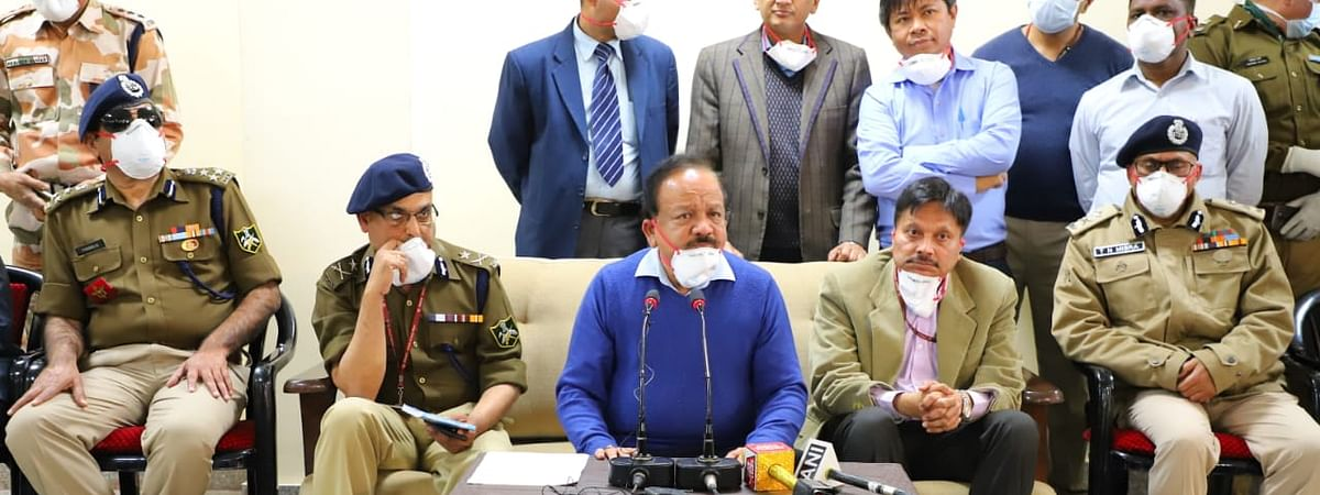 Vardhan interacts with Wuhan evacuees at ITBP Chhawla camp