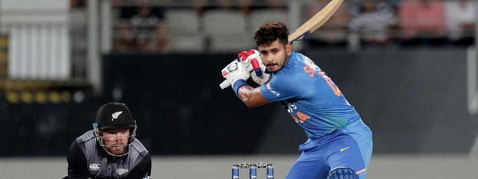 Shreyas Iyer falls; India lose six wickets