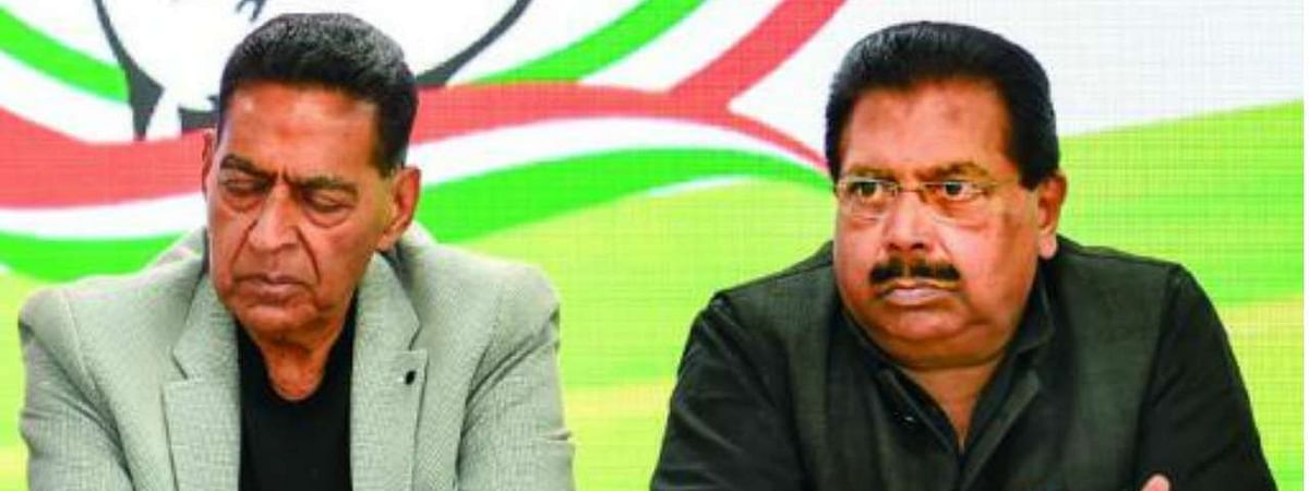 Sonia accepts resignation of PC Chacko, Subhash Chopra