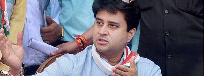 Cong struggles to reach out Scindia
