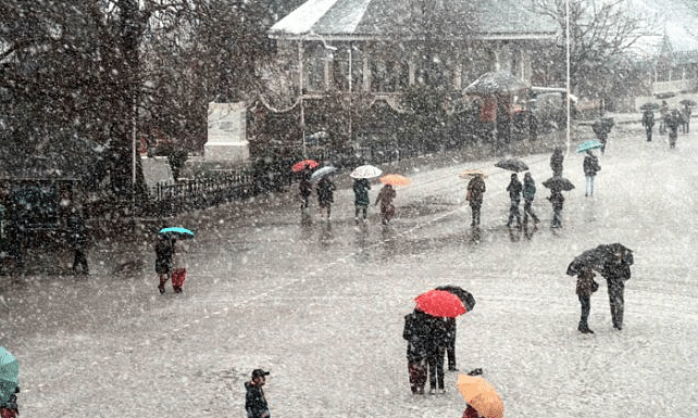 Fresh spell of snow, rain lashes parts of HP