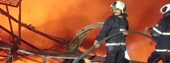 Fire breaks out at Mumbai godown , no casualty