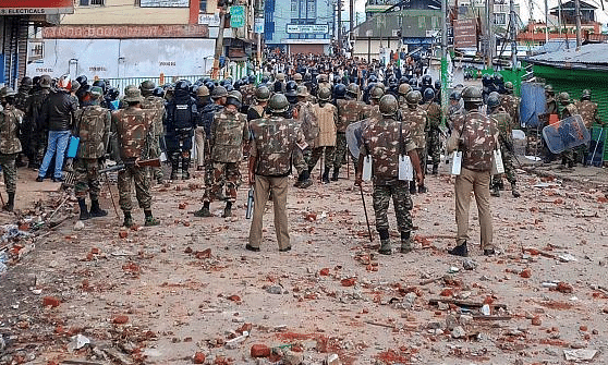Curfew continues in parts of Shillong, Four shops on fire