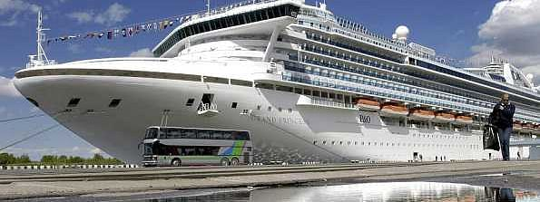 California: Cruise ship linked to COVID-19 prevented from docking