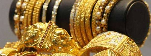 Gold price soars, price of sovereign reaches Rs 33,600