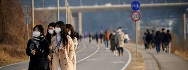 South Korea reports another 98 cases, 2 deaths