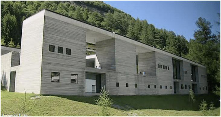 Therme Vals, Switzerland – This is a hotel/spa and the concept of the building is based on an architectural interpretation of a stone quarry. Built using locally quarried Valser quartzite slabs, the spa building is made up of 15 different table-like units, 5 metres in height, with cantilevered concrete roof units supported by tie-beams.