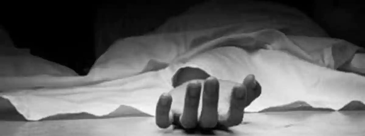 Woman commits suicide with two-yr-old child in UP