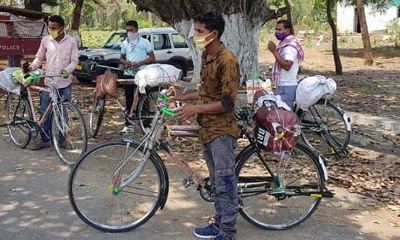 Daily wage worker cycles 1200 kms to reach village in coastal Odisha