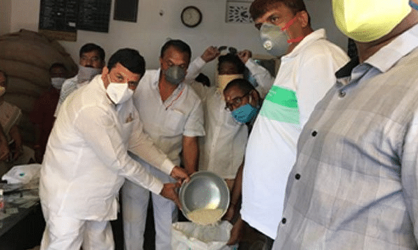 3 lakh tonnes rice distributed to over 76 lakh white ration card holders in Telangana