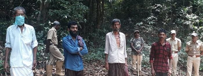 Four labourers from Kerala held while entering K'taka via forest