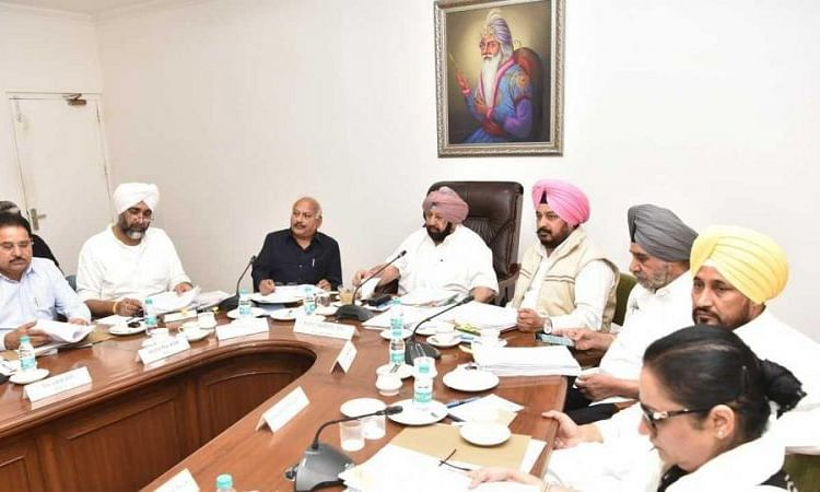 Punjab govt urges Centre to insure all officials deployed in fight against COVID-19