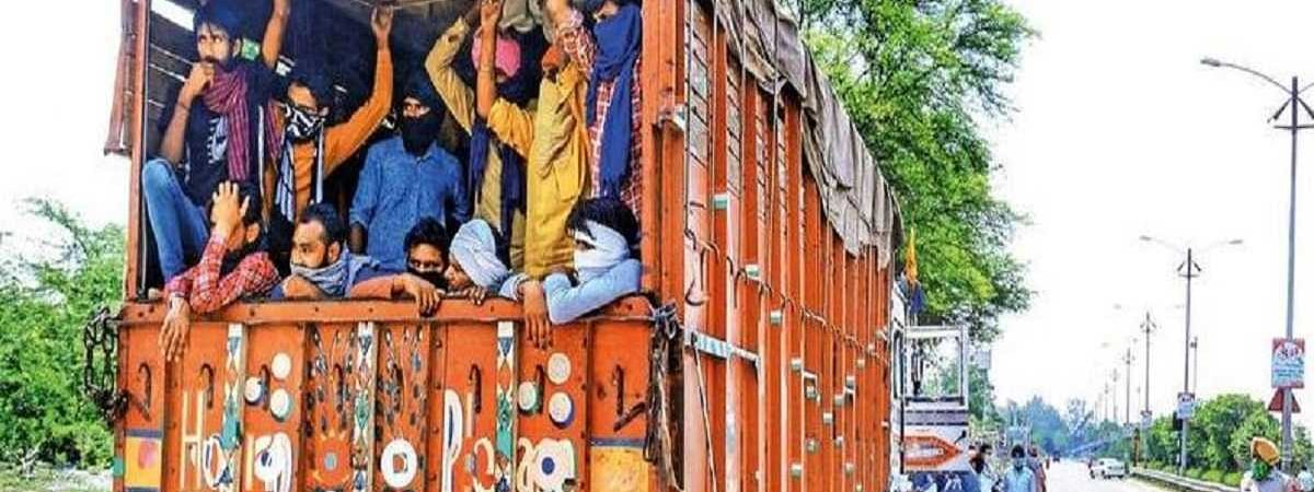 Batch of Rajasthan migrants go home by bus