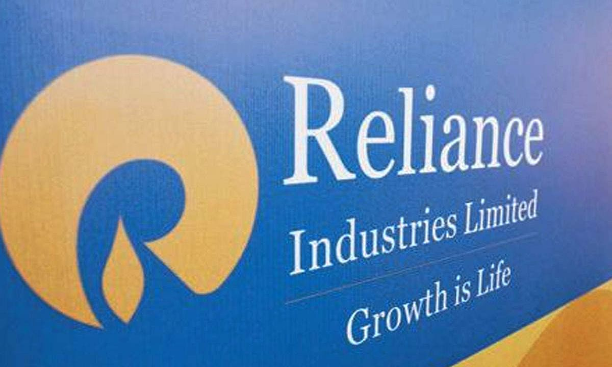 Reliance Industries dropped by 6.12 pc to Rs 1480.26