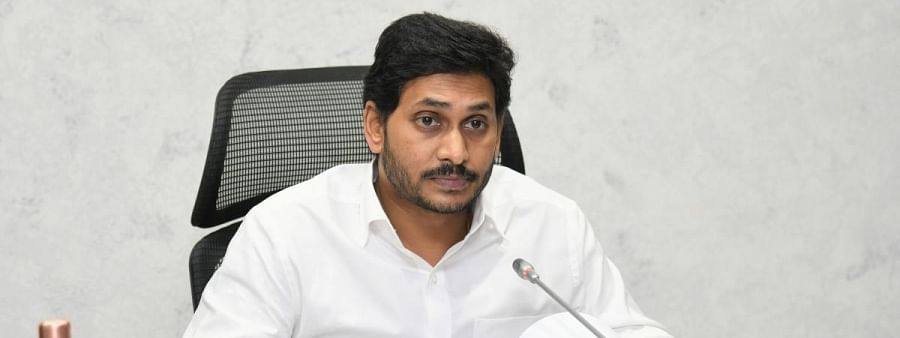 AP CM directs officials to take care of migrant labourers