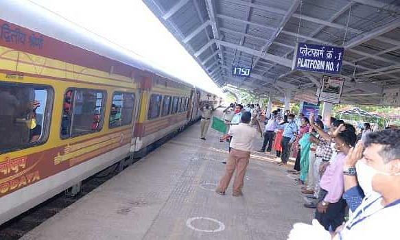 Shramik Express trains leaves with 4051 passengers on board