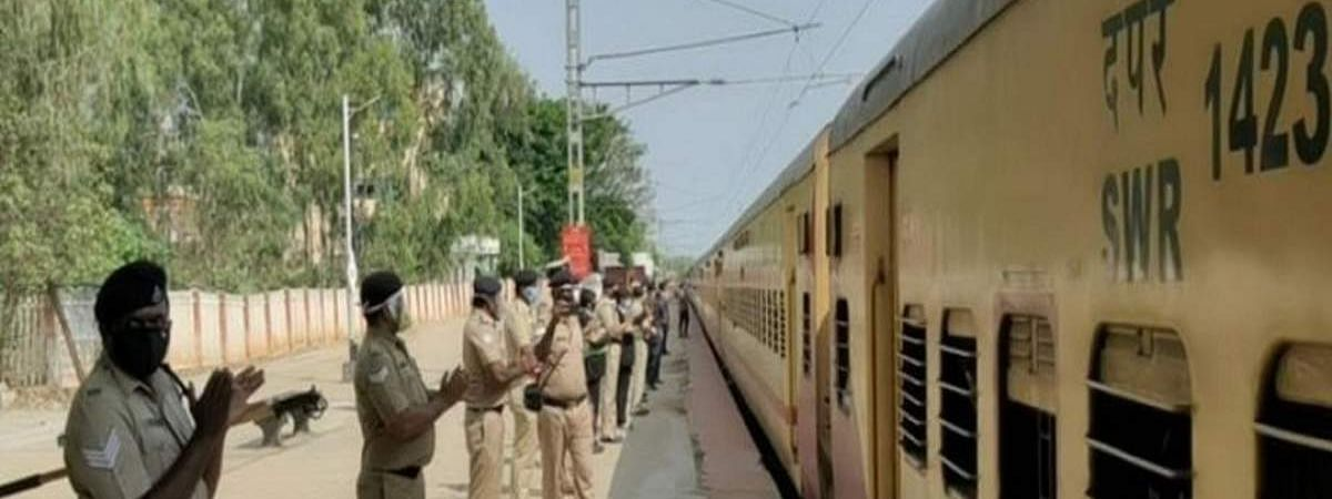 Special train with 1,200 migrants leaves from Aurangabad to Bhopal