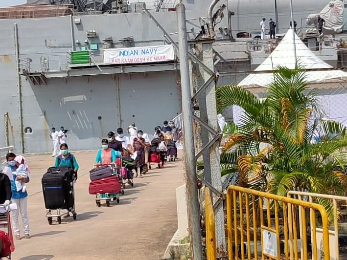 698 expats evacuated from Maldives arrive at Cochin Port