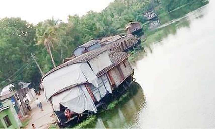 Houseboat owners requests govt for extension of time period for dry docking survey