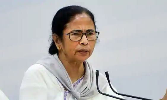 Govt to bear cost of migrant workers brought by special trains to Bengal: Mamata