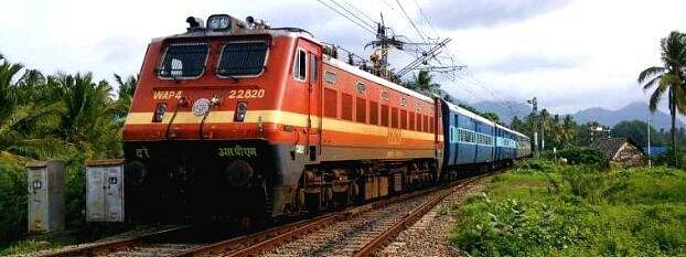 Centre mulls operating spl trains for the stranded