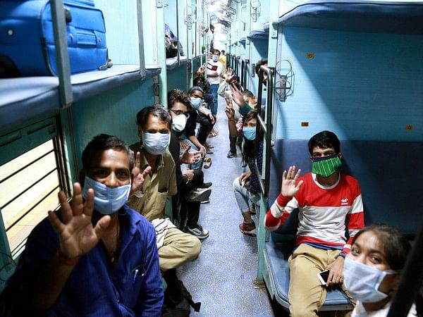 5.49 lakh migrants sent home from south, says Railways