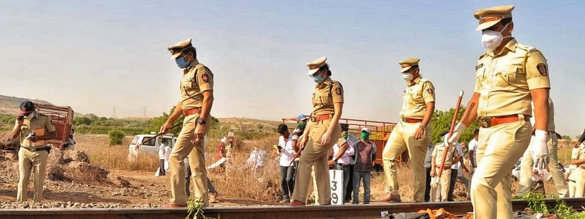 Mah: Goods train mows down 14 migrant labourers near Aurangabad