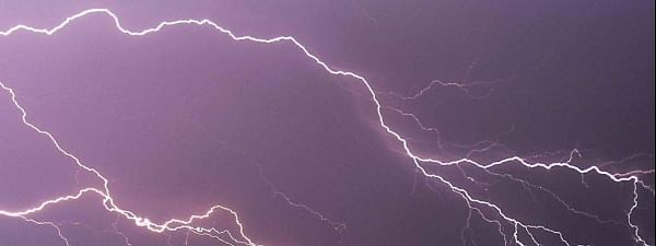 Thunderstorm with lightning likely to occur in Telangana, AP in next 48 hrs: Met warns
