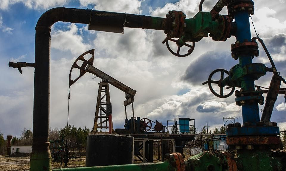 Brent oil price rises above $40 per barrel for first time since March 6